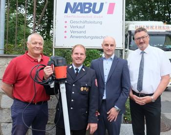 NABU spendet der Freiwilligen Feuerwehr Stulln eine Flux-Pumpe